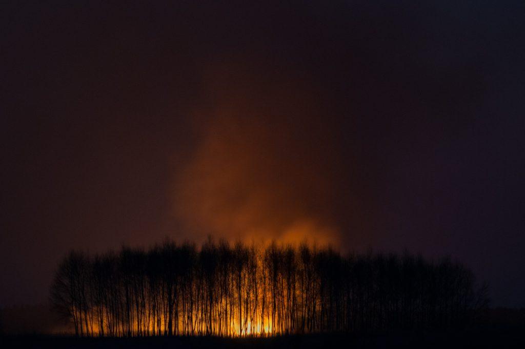 pożar łąk jeziórko